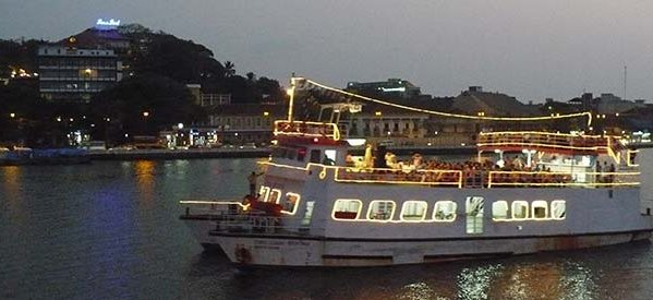 At-River-Cruise
